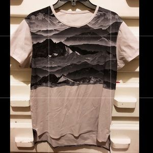 Lululemon SS Blouse w/Graphic Print Front/Back (6)